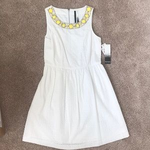 Kensie size S white lace dress
